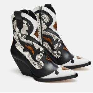 NEW EGO WESTERN SNAKESKIN ANKLE COWBOY BOOTS 5